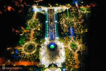 Đắm mình trong không gian ánh sáng lung linh của Vườn hoa thành phố khi đêm về