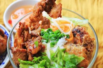 Top 5 quán bún thịt nướng ngon ở Đà Lạt