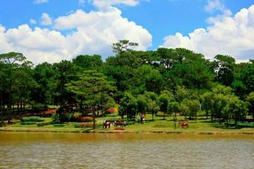 Hồ Than Thở - Đồi Thông Hai Mộ