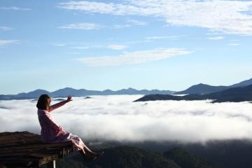 Thảm gỗ săn mây Đà Lạt - Vươn tay ngỡ chạm đến thiên đường
