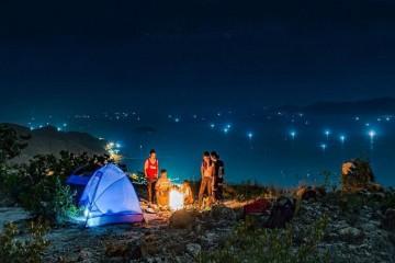 Tour cắm trại về đêm ở đồi Thiên Phúc Đức